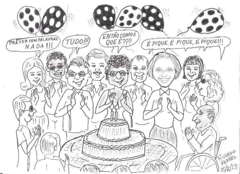 A charge de Ricardo Ferraz, feita com lápis preto, mostra um grupo de 15 pessoas, dentre elas algumas com deficiência visual, usando óculos escuros e bengalas dobradas penduradas no braço, um senhor cadeirante e Lívia, todos batendo palmas, em torno de uma mesa redonda, onde está um bolo de dois andares com duas velinhas acesas, em sala enfeitada com bexigas de bolinhas. Uma moça diz: Prá VER COM PALAVRAS nada!!! Dois moços respondem: Tudo!!! Outra jovem continua: Então como é que é??? E todos cantam animadamente em coro: É pique, é pique, é pique...